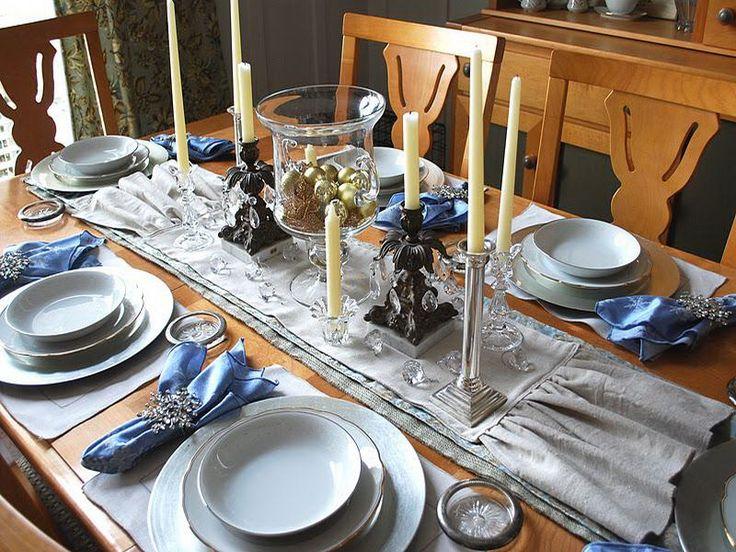 Silvester Tisch Eindecken   Dekoration In Mit Weihnachtskugeln