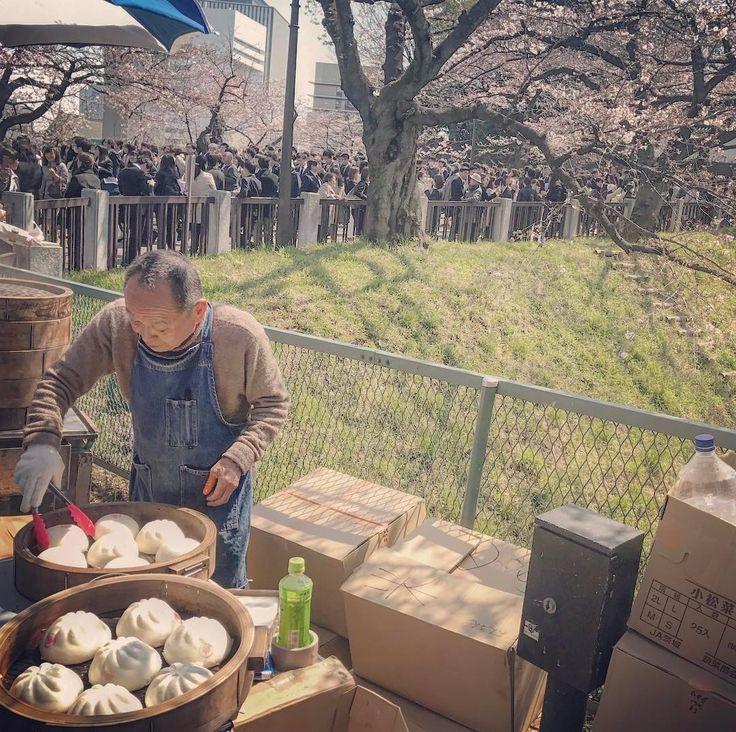 School Entrance Ceremony (入学式) Viewing Sakura (花見) = good business selling anman steamed buns (あんまん) - #gf_japan #ig_japan #ig_japanese #ig_japanese #igersjapan #instagramjapan #icu_japan #ig_asia #loves_nippon #wow_nihon #wu_japan #ig_nippon #ig_nihon #jp_gallery #cooljapan #japanfocus #bestjapanpics #ptk_japan #japan_daytime_view #lovers_nippon #visitjpn #japanawaits #daily_photo_jpn #sakura #japan #tokyo