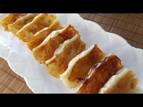 ▶ How to:  Fried Beef Pot Stickers / 牛肉鍋貼 - YouTube