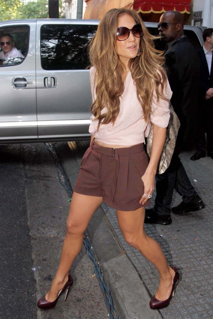 I'd love to look like her so I could wear cool stuff and look hot in it!