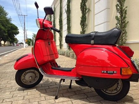 The Vespa PX200E motor scooter... this is becoming more of a classic year on year... you either love 'em or hate 'em... Finished in bright red and in standard trim we think this Vespa PX200 E looks great, it wouldn't look out of place on sale in the used scooter showroom in Armando's scooter shop in Sheffield or Rayspeed scooters in Malton (North Yorkshire). #used #vespa #px200e