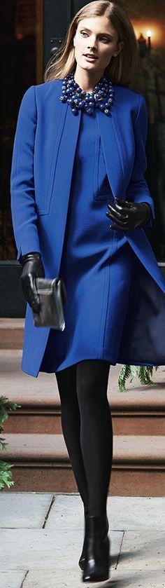 Abrigo y vestido azules para el invierno