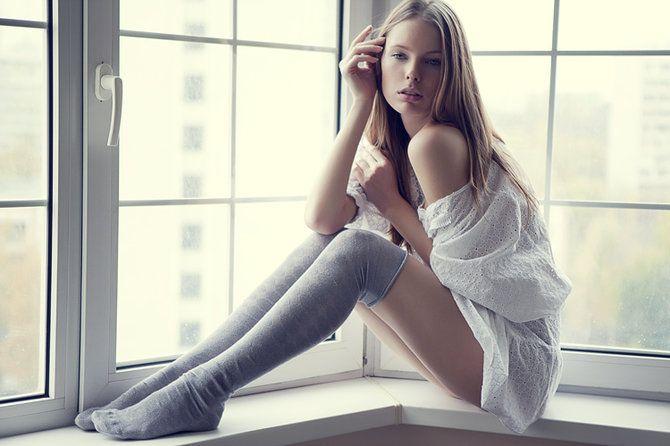Miljöö, poseeraukset: Sock, Big Window, Fashion, Window View, Nika Shatova, Amazing Photography, Photographers Based, Beautiful, Portraits Photography
