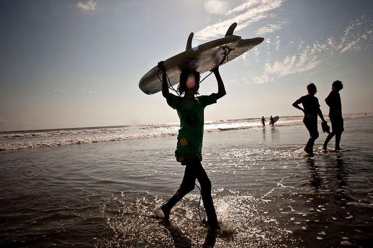 Le surfiste del Bangladesh