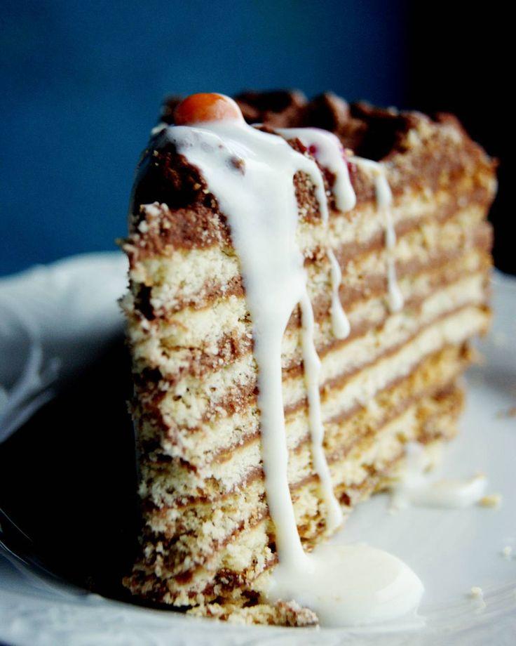 """Торт """"Ленинградский"""" со сметанным соусом #торт #готовим_с_alenakogotkova @alenakogotkovacom #dessert #cake #delicious #торт #десерт #деньрождения #birthday #вкусно #масляныйкрем #песочноетесто"""