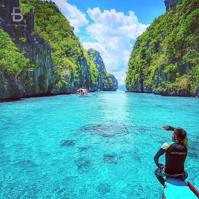 Location: El Nido, Palawan, Philippines. Why wouldn't you want to visit here!