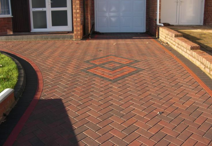 Abbey Driveways are a long established and reputable company specialising in all aspects of paving to clients throughout Birmingham.  http://www.abbeydriveways.co.uk/