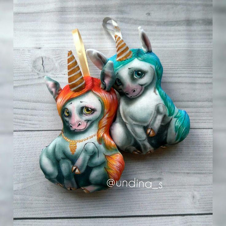 Малыши единорожки от @undina_s Мягкие тряпичные игрушки- красивый подарок близким или украшение интерьера)))) #единорог #лошадь #текстильнаяигрушка #игрушкаизткани #unicorn