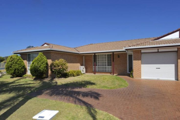 Reef Cl 1/2 Holiday Duplex Fingal Bay North Coast NSW Accommodation $1250pw