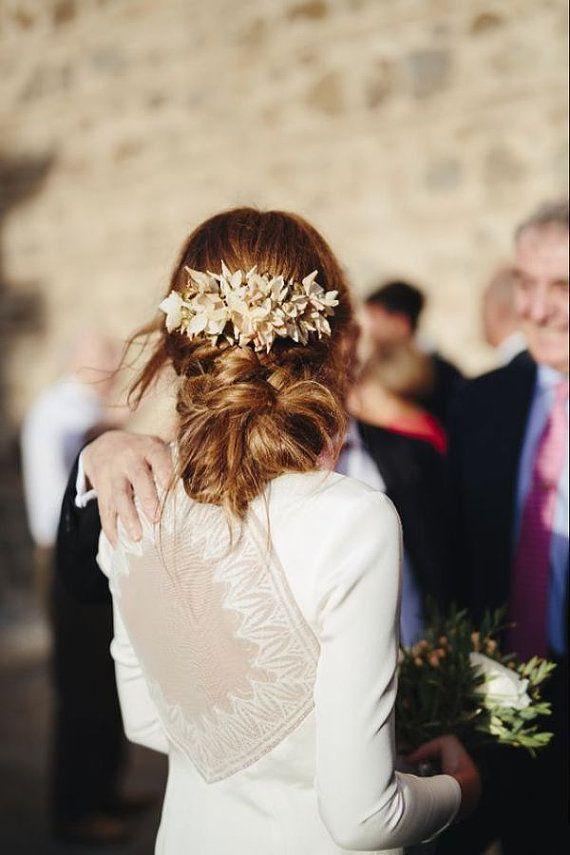 Nude & Gold tocado de novia o invitada por BaldiAccesories en Etsy
