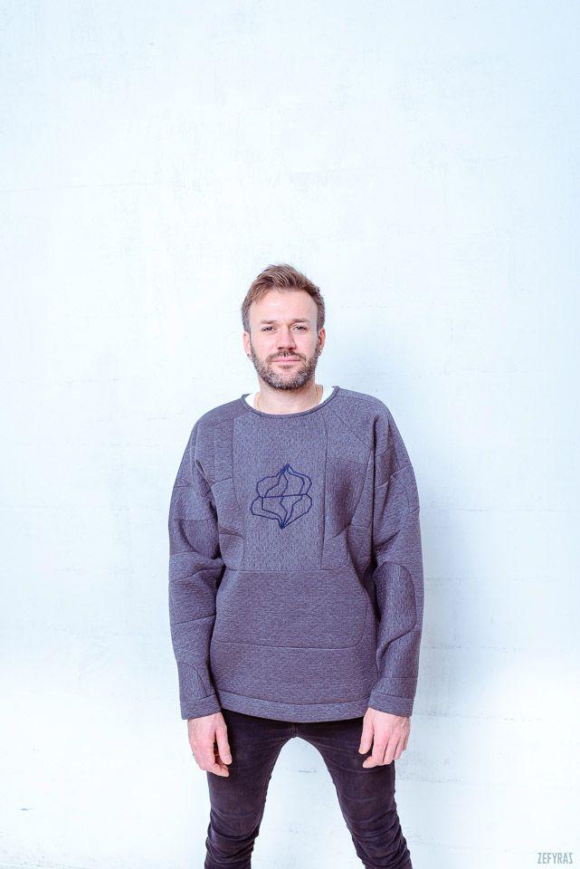 One. World | Grey Pullover | Unisex #fashion #zefyras #zefyrasfashion #minimalist #sweater #colours #collection #details #pullover #unisex
