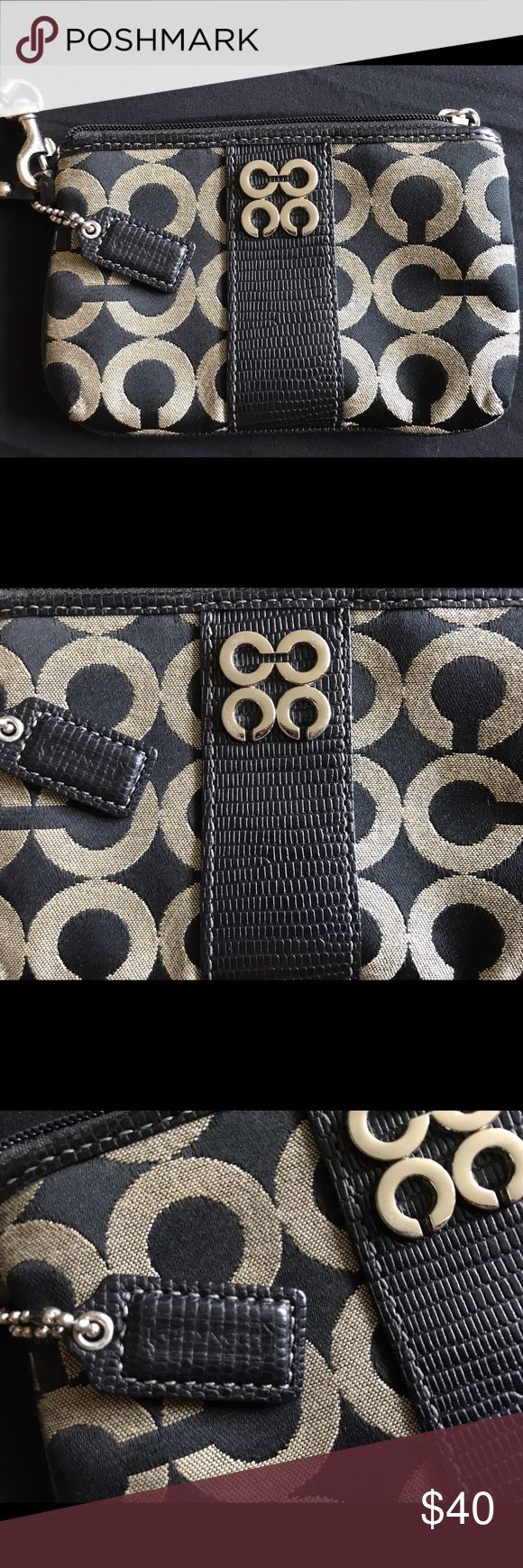 Coach Wristlet Coach Wristlet, condition: excellent, barely used Coach Bags Wallets
