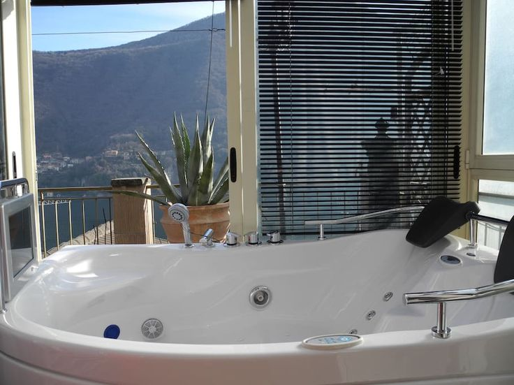 Lake Como's view country house - Vakantiewoningen te Huur in Laglio, Lombardijen, Italië