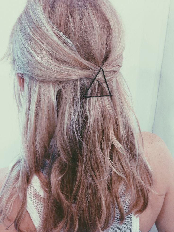 5 Low Maintenence Hairstyles Every Girl Should Know - Triangle Bobby Pins