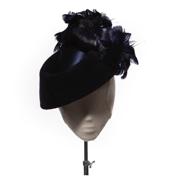 Lulu - Deep navy fur felt and satin combine to make up this visor-esque style. Completed with feather blooms. Full collection can be found at www.hatmaker.com.au/collections/racing-collections #AutumnRacing #AutumnCarnival #Headpieces #Millinery #Hatmaker #JonathanHoward