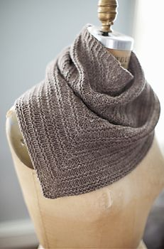 Kerchief from knit purl
