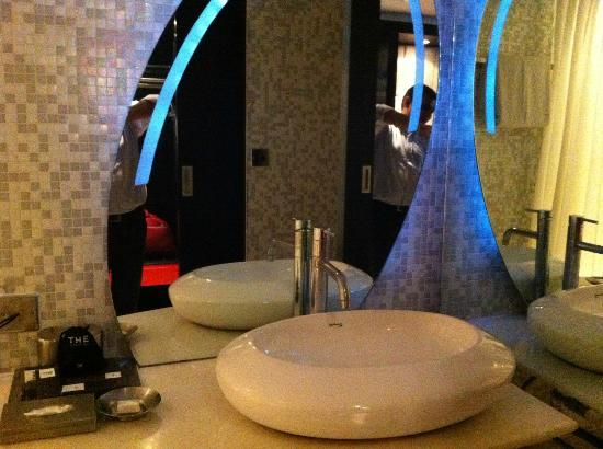 Bathroom Mirror Kolkata 19 best kolkata/ calcutta (india) hotel bathrooms images on