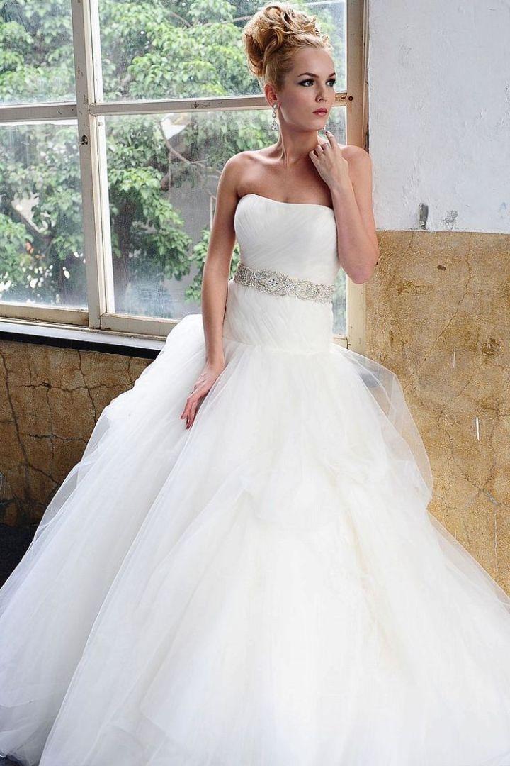 To see more gorgeous Saison Blanche wedding dresses: http://www.modwedding.com/2014/10/30/saison-blanche-wedding-dresses-graceful-elegance/ #wedding #weddings #wedding_dress