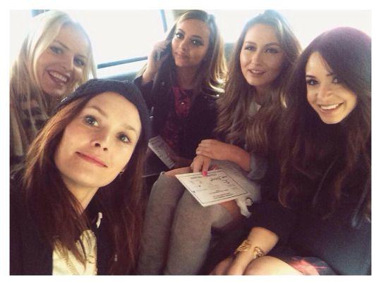 Danielle Peazer | @IdleLaneLoves: We also attempted a #fashpack selfie in the cab on the way to the @FelderFelder show….  #LFW #FelderFelder #lfw #london #fashion #week #blog #blogger #idle #Lane #idlelane #loves #friends #famous #beauty #fashion #blog #blogger  #little #mix #fake