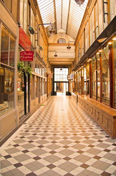 'Passage Jouffroy in Paris' von Andrea Fettweis bei artflakes.com als Poster oder Kunstdruck $19.41