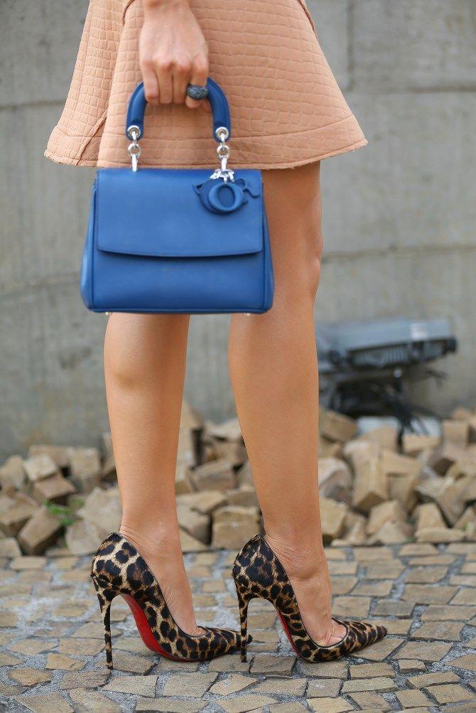 #SEGUE ▶ @patricia_patyfashion #dicasdapaty #dicasdemoda #dicasdelook #dicasdecompras #dicasdecomprasbarata #dicasparameninas #look #looks #lookoftheday #lookdodia #looknight #lookslindos #lookdasfamosas #lookfantastic #fashion #fashionista #style #modaparameninas #modablogueira #modaeuropa #modaeuropeia #blogger #fashionbloggers