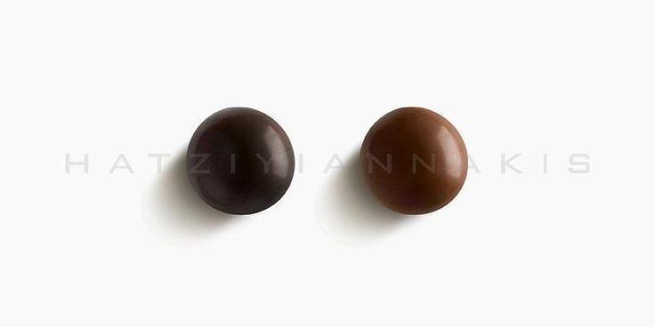 Ολόκληρο καβουρδισμένο φουντούκι με επικάλυψη σοκολάτας (55% κακάο) & σοκολάτας γάλακτος.Συσκευασία: Κουτί...