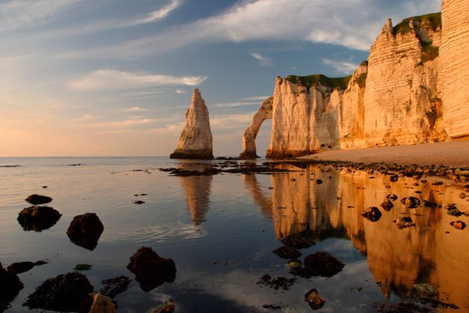 Les falaises d'Étretat en Normandie, France