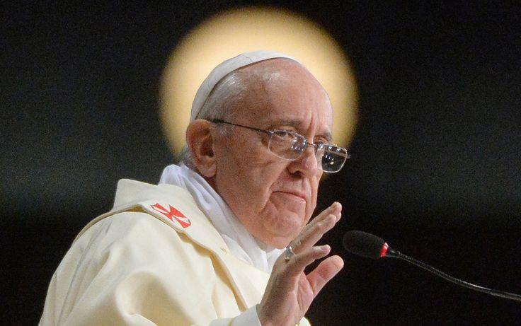 27/7 - El Papa rezó por religiosos y seminaristas en la catedral de Río