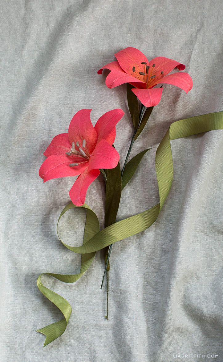 Make This Stunning Crepe Paper Tiger Lily Paper Flower Decor