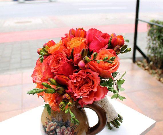 Buchet de Mireasa. Trandafiri si Frezii by JuliasRoseShop on Etsy