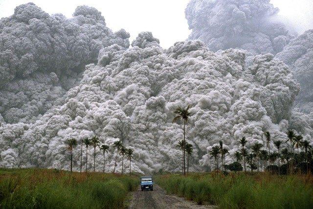 25.Registro impressionante de 1991 mostra uma das maiores erupções vulcânicas do século 20, no monte Pinatubo, nas Filipinas