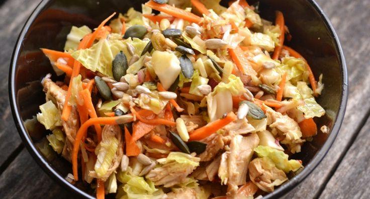 Pikáns, csirkés káposztasaláta recept: Ha egy kis egészséges, könnyedebb de mégis laktató salátára vágysz akkor ezt a gyors, pikáns, csirkés káposztasaláta recept érdemes kipróbálni. Mert nagyon finom! ;)