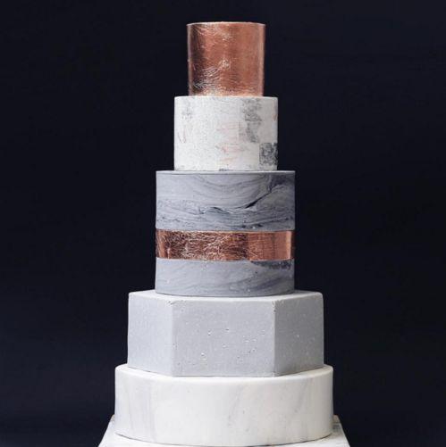 Un wedding cake ultra design http://www.vogue.fr/mariage/inspirations/diaporama/gateaux-de-mariage-wedding-cake-pieces-montees/33339#un-wedding-cake-ultra-design