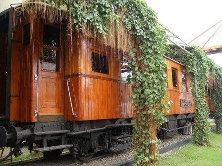 Kereta Ukur DINLW U 25301. Dengan nama Dynamometer Car, buatan Alfred J. Amsler & Co, Scaffhausen Swiss dioperasikan pada tahun 1925 sebagai pengukur daya tarik lokomotif.