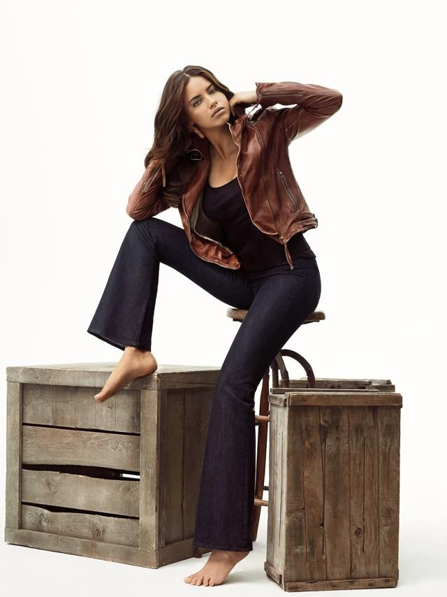 Herkes Adriana Lima'ya o Mavi Jeans'e bayılıyor! Mavi Anatolium AVM'de..
