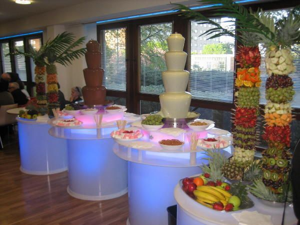 wedding with a chocolate fountain | Chocolate & Champagne Fountains