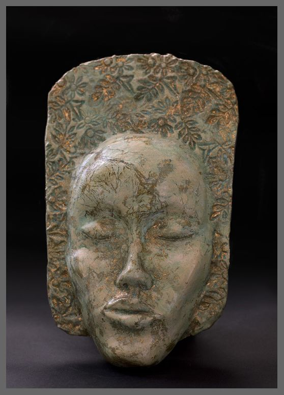 Sylwia Łabaj - ceramic mask, length about 25cm