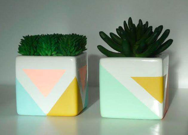 Customiser des pots en céramique #DIY http://www.modesettravaux.fr/personnaliser-pots-ceramique/