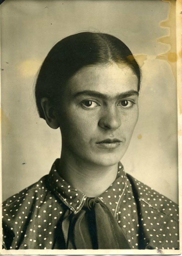 narcissusskisses: Frida 1926