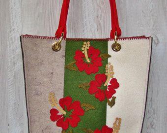 https://www.etsy.com/it/listing/513941159/borsa-in-feltro-fiori-rossi?ref=listing-shop-header-1