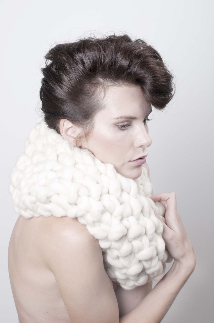 Long cream circular scarf  - MIK // Dlouhá kruhová šála smetanová - MIK