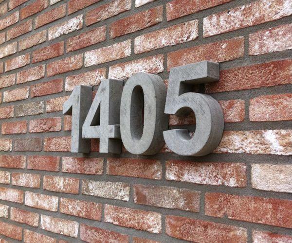 Hendrix Betondesign, pilaarhoedjes, pilasterhoedjes, betonletters, tuindecoratie, Baarlo, Limburg, betonmutsen, betonhoedjes, betonpetten, paalmutsen