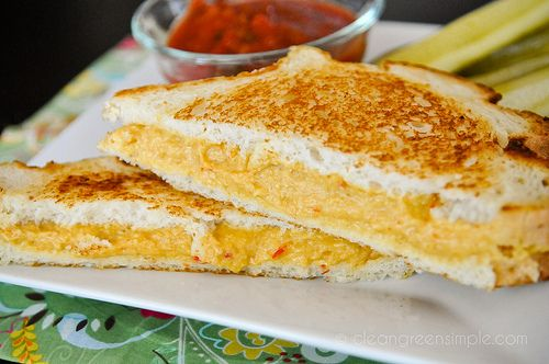 Best grilled cheese I've ever had - and it's all vegan. Added in a lil soy sauce, extra nooch, and used pickled jalapenos & sundried tomatoes instead of roasted red peppers.