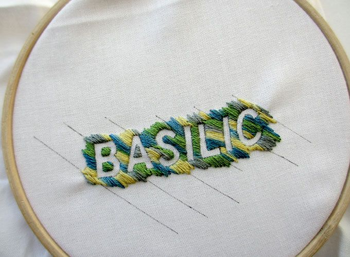 17 best images about broderie embroidery on pinterest atelier embroidery and toile - Apprendre a broder un prenom ...