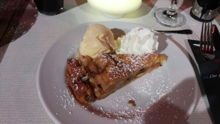 Apple pie at De Witte Leuw