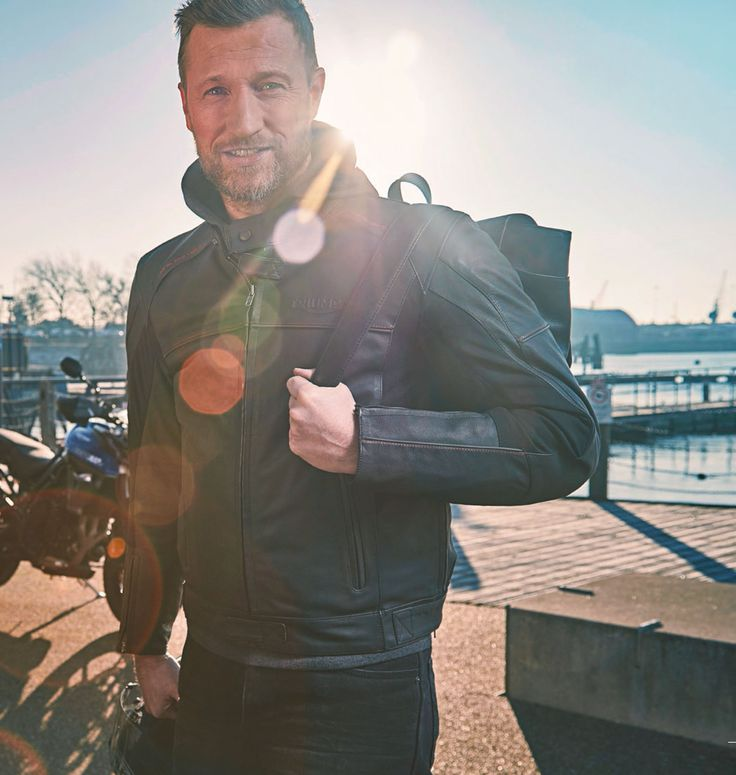 the triumph taloc jacket offers maximum water-resistance with no