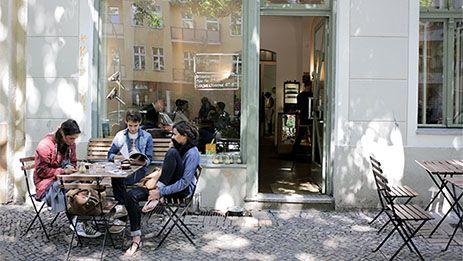 Café-Kultur im Kiez - Five Elephants Café.