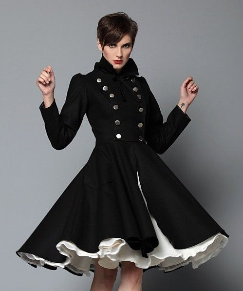 The military details on this coat rock.: Black Coats, Full Skirts, Military Coats, Black And White, Dresses, Jackets, Military Style, Circles Skirts, Winter Coats