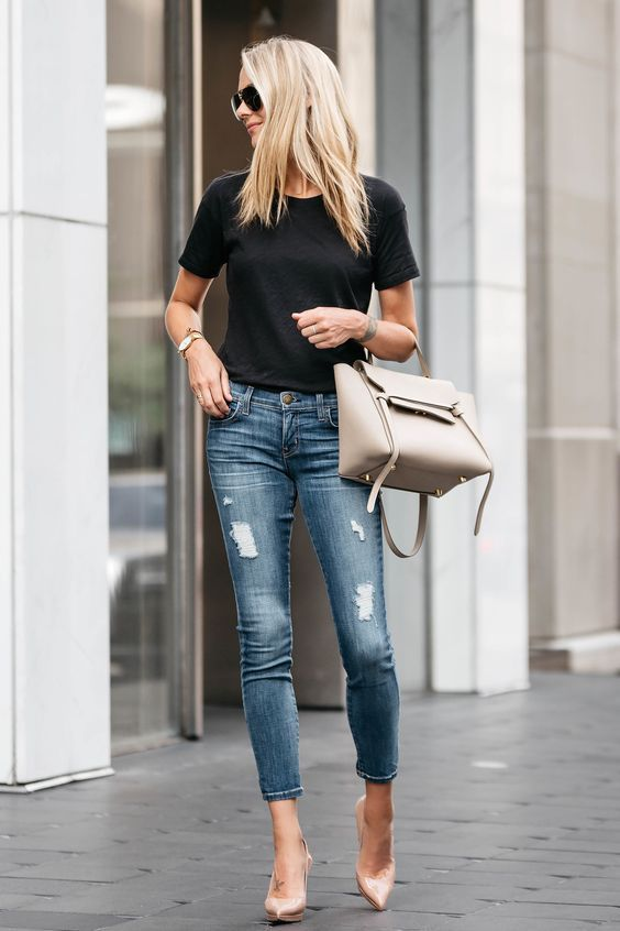 All Things Lovely In This Summer Outfit. Definitely Must Have One. The Best of fashion trends in 2017.