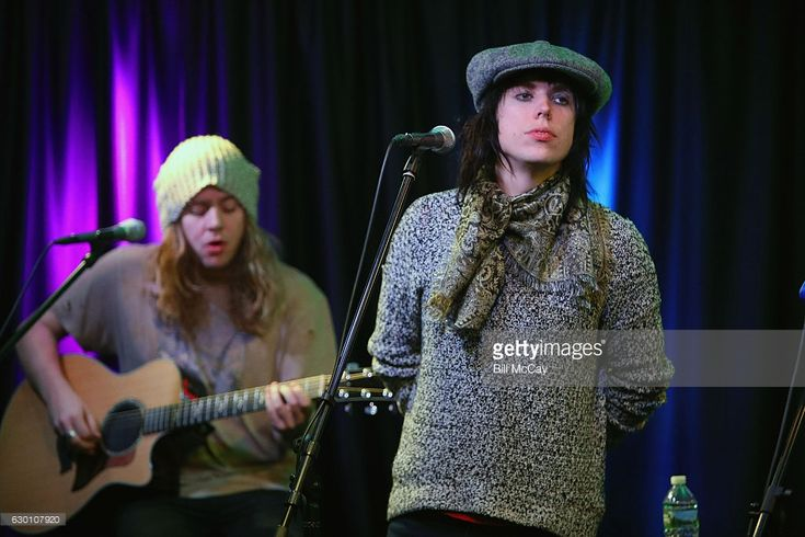 Adam Slack and Luke Spiller of The Struts perform at the Radio 104.5 Performance Theater December 16, 2016 in Bala Cynwyd, Pennsylvania.